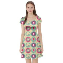 Chic Floral Pattern Short Sleeve Skater Dresses
