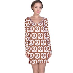 Brown Pretzel Illustrations Pattern Long Sleeve Nightdresses