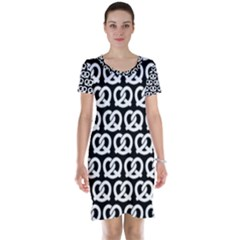 Black And White Pretzel Illustrations Pattern Short Sleeve Nightdresses