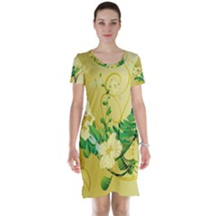 Wonderful Soft Yellow Flowers With Leaves Short Sleeve Nightdresses