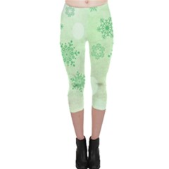 Winter Bokeh Green Capri Leggings