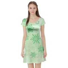 Winter Bokeh Green Short Sleeve Skater Dresses
