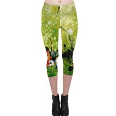 Awesome Flowers And Lleaves With Dragonflies On Red Green Background With Grunge Capri Leggings