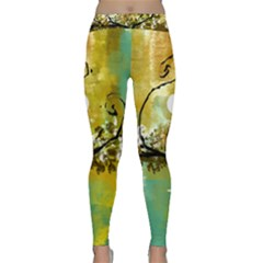 She Open s to the Moon Yoga Leggings
