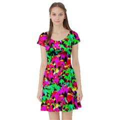 Colorful Leaves Short Sleeve Skater Dresses