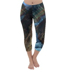 YELLOWSTONE LOWER FALLS Capri Winter Leggings