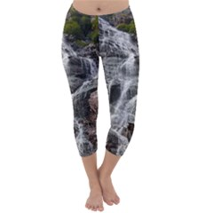 MOUNTAIN WATERFALL Capri Winter Leggings