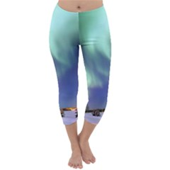 Aurora Borealis Capri Winter Leggings