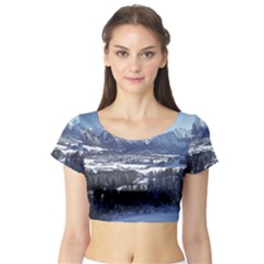 Snowy Mountains Short Sleeve Crop Top