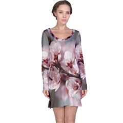 PLUM BLOSSOMS Long Sleeve Nightdresses