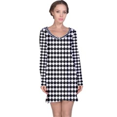 Black And White Scallop Repeat Pattern Long Sleeve Nightdresses