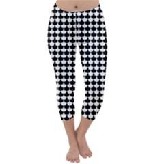 Black And White Scallop Repeat Pattern Capri Winter Leggings