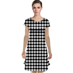 Black And White Scallop Repeat Pattern Cap Sleeve Nightdresses