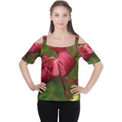 LILIUM RED VELVET Women s Cutout Shoulder Tee