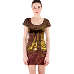Volcano Cave Short Sleeve Bodycon Dresses