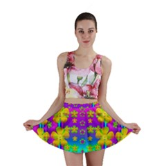 Outside the curtain it is peace florals and love Mini Skirt