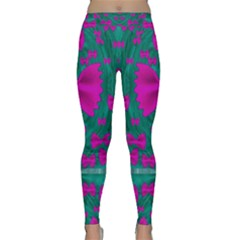 World Wide Flying Butterflies Yoga Leggings