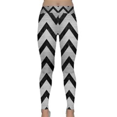 Chevron9 Black Marble & Silver Brushed Metal (r) Classic Yoga Leggings