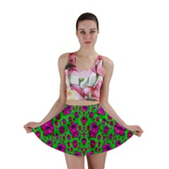 Fantasy Valentine In Floral Love And Peace Time Mini Skirts