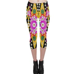 Flowers Above And Under The Peaceful Sky Capri Leggings