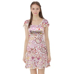 Ornamental pattern with hearts and flowers  Short Sleeve Skater Dress