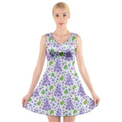 liliac flowers and leaves Pattern V-Neck Sleeveless Skater Dress