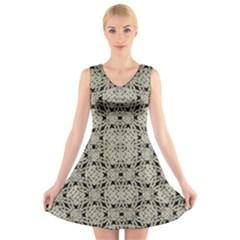 Interlace Arabesque Pattern V Neck Sleeveless Skater Dress