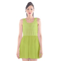 Spring Green Quatrefoil Pattern Scoop Neck Skater Dress