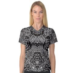 Mariager - Bold Flower Design - Black And White Women s V-Neck Sport Mesh Tee