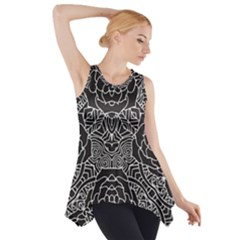 Mariager - Bold Flower Design - Black And White Side Drop Tank Tunic