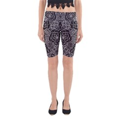 Mariager - Bold Flower Design - Black And White Yoga Cropped Leggings