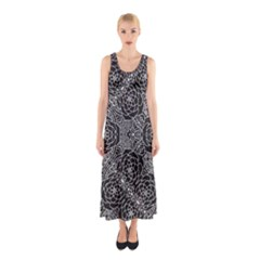Mariager - Bold Flower Design - Black And White Sleeveless Maxi Dress