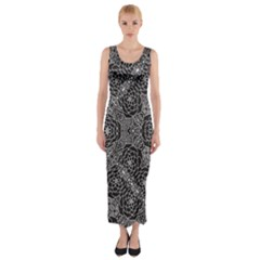 Mariager - Bold Flower Design - Black And White Fitted Maxi Dress