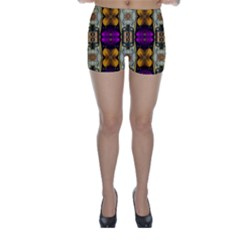 Contemplative Floral And Pearls  Skinny Shorts