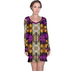 Contemplative Floral And Pearls  Long Sleeve Nightdress