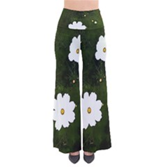 Summer daisies in green Women s Chic Palazzo Pants