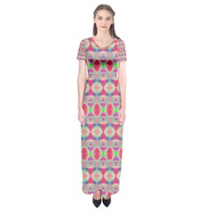 Pretty Pink Shapes Pattern Short Sleeve Maxi Dress