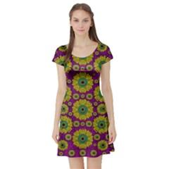 Sunroses Mixed With Stars In A Moonlight Serenade Short Sleeve Skater Dress