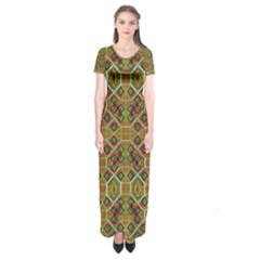 Roulette Board Short Sleeve Maxi Dress