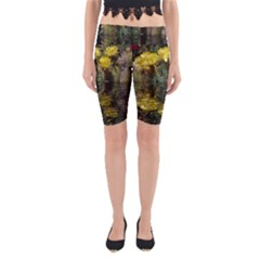 Cactus Flowers with Reflection Pool Yoga Cropped Leggings
