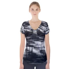 Tree Motion Short Sleeve Front Detail Top