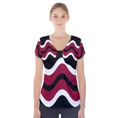 Decorative Waves Short Sleeve Front Detail Top