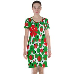 Red and green Christmas design  Short Sleeve Nightdress