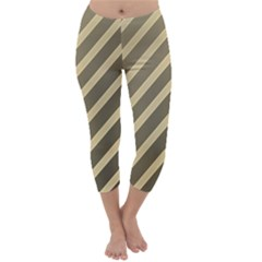 Golden elegant lines Capri Winter Leggings
