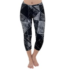 Dark Geometric Grunge Pattern Print Capri Winter Leggings