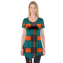 3 colors shapes pattern           Short Sleeve Tunic
