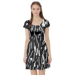 Black and white elegant pattern Short Sleeve Skater Dress