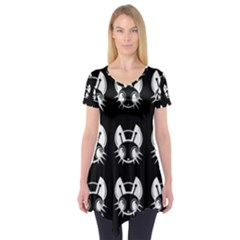 White and black fireflies  Short Sleeve Tunic