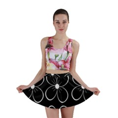 Black and white floral pattern Mini Skirt