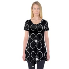 Black And White Floral Pattern Short Sleeve Tunic